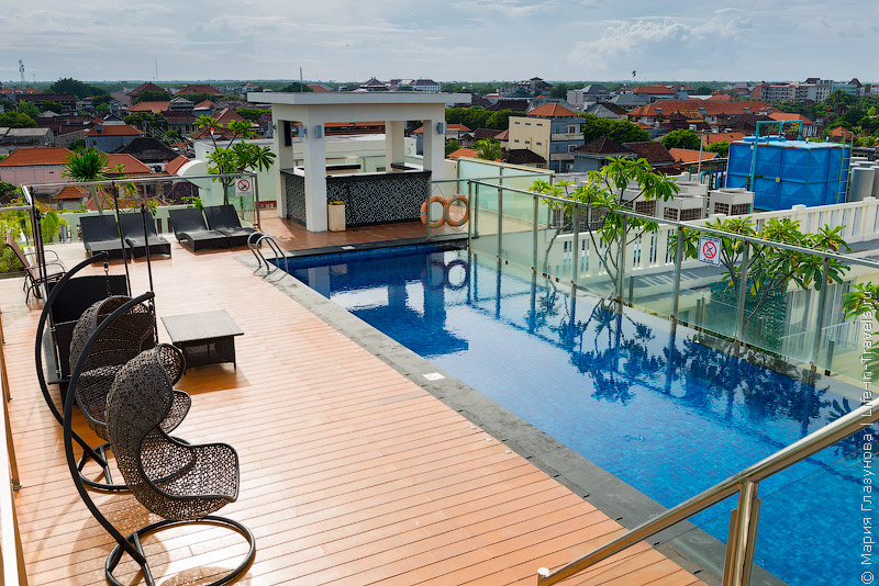 Отель Holiday Inn Express Bali Raya Kuta, Бали